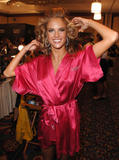 th_97055_fashiongallery_VSShow08_Backstage_AlessandraAmbrosio-22_122_530lo.jpg