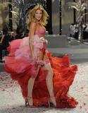 Doutzen Kroes Victoria Secrets fashion show 2008 Foto 498 (������� ���  ���� 498)